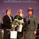 """No kreisās: LSIA """"Aspazija"""" godinātās darbinieces Daiga Mihailova un Anna Bogdanova, foto J. Ross"""