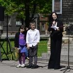 Koncerta vadītāja Ieva Laine ar palīgiem
