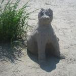 Smilšu skulptūra Laiskais kaķis